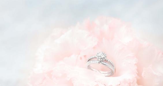 プロポーズには、指輪?花束?