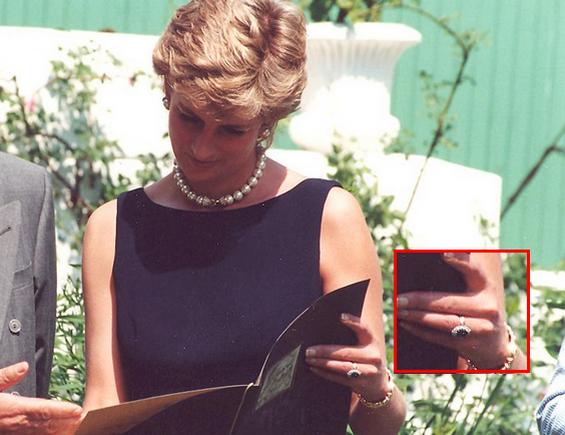 キャサリン妃の受け継いだ、ダイアナ妃の婚約指輪