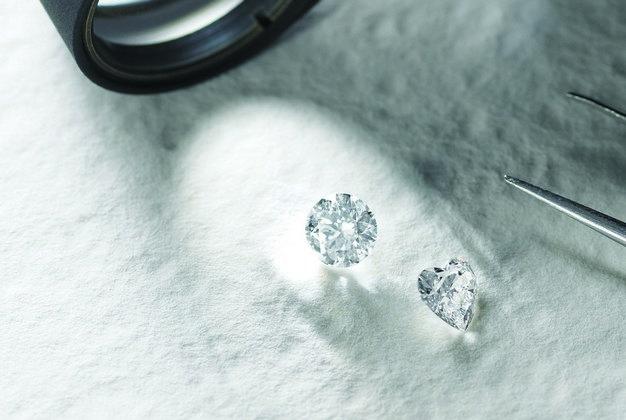 ダイヤモンドの4Cって実際どうなの?