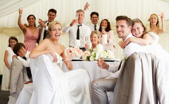 結婚式場をイメージする
